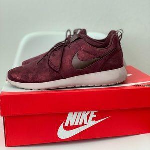 Nike glitter burgundy Roshe one 7.5